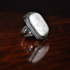 Inel dimensiuni mari, culoare argintie, marimea L - Inel fashion