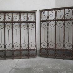 Pereche grilaje fier forjat antic, grilaj vechi - Metal/Fonta
