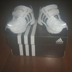 Adidasi Adidas nr 20 - Adidasi copii, Culoare: Alb, Unisex, Alb
