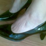 Pantofi din piele marimea 39,aproape noi,arata impecabil!