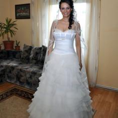 Rochie de mireasa in stil spaniol - Rochie de mireasa printesa