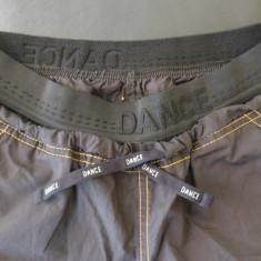 Pantaloni dans sportiv DANCE FOREVER; marime M/L, vezi dimensiuni; impecabili - Pantaloni dama, Culoare: Din imagine