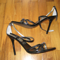 Sandale deosebite, elegante, marimea 38 GUESS, 100% originale, autentice, import USA, nefolosite - Sandale dama Guess, Culoare: Negru