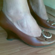 Pantofi din piele cu platforma marimea 38, arata impecabil! - Pantof dama, Culoare: Maro, Maro