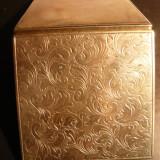 Tabachera veche pt. tutun -metal argintat gravat ,L.= 6,8 cm