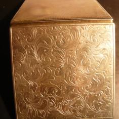 Tabachera veche pt. tutun -metal argintat gravat, L.= 6, 8 cm