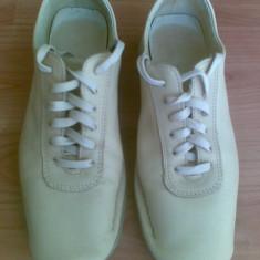 Pantofi mocasini din piele marimea 35, aproape noi! - Mocasini dama, Culoare: Crem, Crem
