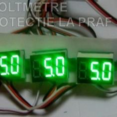 Voltmetru digital 0-100V cu leduri rosii , verzi si albastre cu protectie la apa si praf