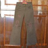 Pantaloni maro cu cusaturi, Fete