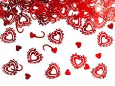 Confetti inimioare rosii. foto