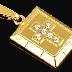 PANDANT CRUCE UNISEX AUR FILAT 14 K MODEL PATRAT - Pandantiv placate cu aur