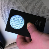 Lupa de marire 3x avec lumina - Creditcard format