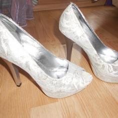Pantofi de mireasa marimea 37 - Pantof dama, Culoare: Alb, Alb