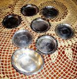 Set 18 vase mici metalice - suport de pahar, decor sau scrumiera