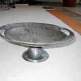 Fructiera - platou - metalica foarte veche - decorata cu motiv frunze - antichitati, Vase