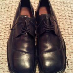 INCALTAMINTE DE OCAZIE - PANTOFI BARBATESTI - CULOARE NEAGRA - MARIMEA 43 - Pantof barbat, Culoare: Negru, Piele naturala
