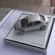Macheta metal Dacia LOGAN 2 noua, in cutie de plexiglas, 1:43 (art. 1300, 1310) - Macheta auto