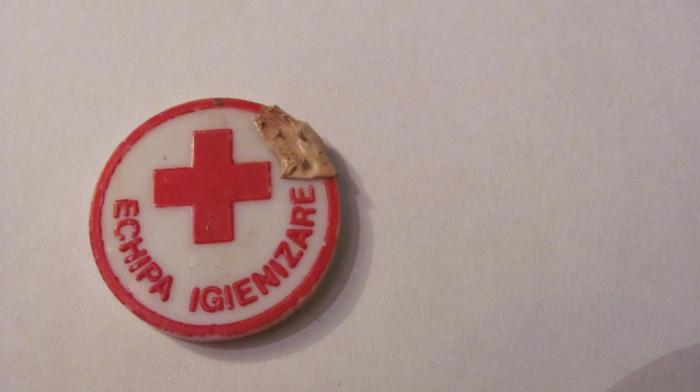 "PVM - Insigna crucea rosie ""Echipa Igienizare"""