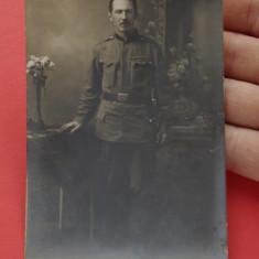 Fotografie veche - portret de barbat - soldat - militar - uniforma militara !!!
