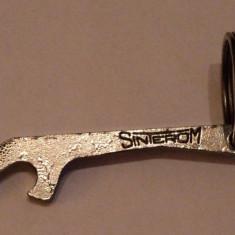 Deschizator sticle , Sinterom Cluj , din metal , de colectie , vechi