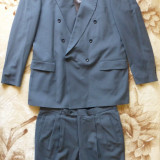 Costum Hugo Boss; pentru o inaltime ∼ 1.82-1.85, vezi dimensiuni; 100% lana pura - Costum barbati Hugo Boss, Marime: 52, Culoare: Din imagine
