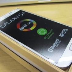Samsung galaxy s4, white frost, 16GB, impecabil, cutie completa cu accesoriile originale(folosit circa 4 luni) - Telefon mobil Samsung Galaxy S4, Alb, Neblocat, 1800-1999 MHz