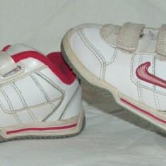 Adidasi copii NIKE - nr 22, Fete, Alb