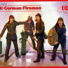 + Macheta ICM 35632 1:35 - German Firemen +
