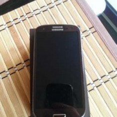 Samsung Galaxy S3 Mini i8190 Amber Brown - Telefon mobil Samsung Galaxy S3 Mini, Maro, 8GB, Neblocat
