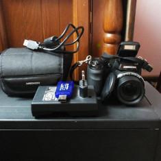 Vand aparat de fotografiat Medion life x44088, rezolutie 16 megapixeli, 21X ZOOM, filmeaza full HD 1080p, port HDMI