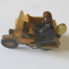 MINIATURA LEMN MOTOCICLETA CU ATAJ DIN ANII 60