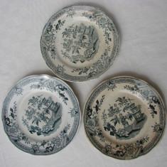 Frumoase trei farfurii pentru prajitura din portelan vechi Rorftrand Singapore