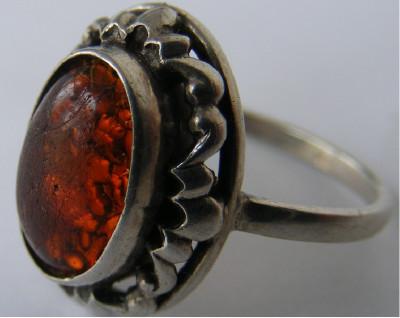 Inel vechi din argint cu chihlimbar (12) - de colectie foto
