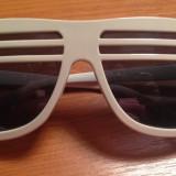 Ochelari de soare grilaj, Unisex, Negru, Nespecificata, Plastic, Protectie UV 100%