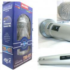 Microfon profesional cu cablu inclus