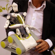 Supraveghere monitorizare video foto casa copii Spykee WiFi Spy Robot