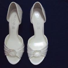 PANTOFI ELEGANTI ALDO - Pantof dama Aldo, Culoare: Alb, Marime: 37, Alb, Cu talpa joasa