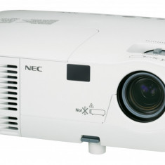 Videoproiector impecabil NEC NP110G - Videoproiector Nec, Intre 2000 si 2499, 800x600, 2000-2500,  1 000 - 5 000 ore
