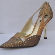 Pantofi culoare bronz ,1 to 3 (V5389 BRONCE) decupati, 37 - 40, Cu toc