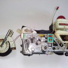 Veche jucarie chinezeasca pe baterii - MOTOCICLETA POLICE - HIGWEY-PATROL- JUMBO 1200, fabricata in anii '80 ( DETERIORATA) - Colectii