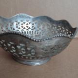 Fructiera/ bomboniera/ suport de servire argintiu 18 cm latime x 7 cm inaltime.