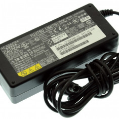 Alimentator Incarcator Laptop Fujitsu Siemens Fujitsu Lifebook E-6550, CP268386-01, 16V 3.75A, Incarcator standard