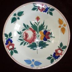 Farfurie Hollohaza din perioada 1820-1850,pictata manual.
