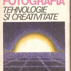 (C4802) FOTOGRAFIE, TEHNOLOGIE SI CREATIVITATE DE M. VARGA SI I.M. IOSIF, EDITURA TEHNICA, 1986 - Carte Fotografie