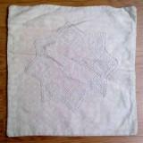 004. Fata de perna veche, din panza tesuta manual, din Transilvania. - tesatura textila