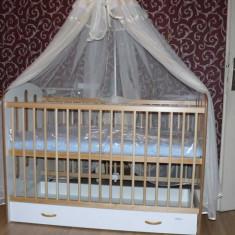 REDUCERE SPECIALA! Vand pat transformabil din lemn cu sertar pentru copii si suport baldachin oferit de la 700 ron la 350 ron! - Patut lemn pentru bebelusi Bertoni, 120x60cm, Alb