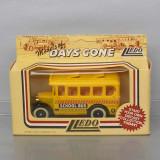 autobuz Dennis School Bus, Lledo