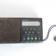 RADIO  SONY  3 BAND  PLL  SYNTHESIZED  RECEIVER ,  ICF M300S  ,MADE IN JAPAN .