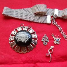 Frumos Lot 4 Medalioane Filigran si cu Pietre si o Bratara