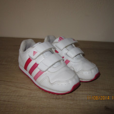 Adidasi marimea 26 - Adidasi copii, Culoare: Alb, Fete